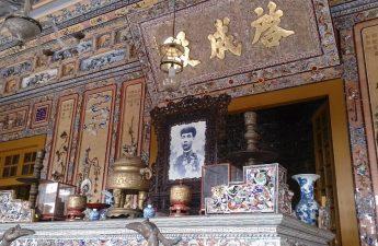 Makam Khai Dinh di Vietnam