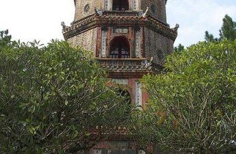 Thien Mu, Pagoda Wanita Surgawi di Hue, Vietnam